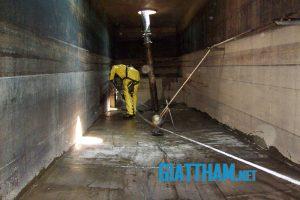 Thau rửa cọ bể nước ngầm, bể thượng, tráng bể sạch tại nhà